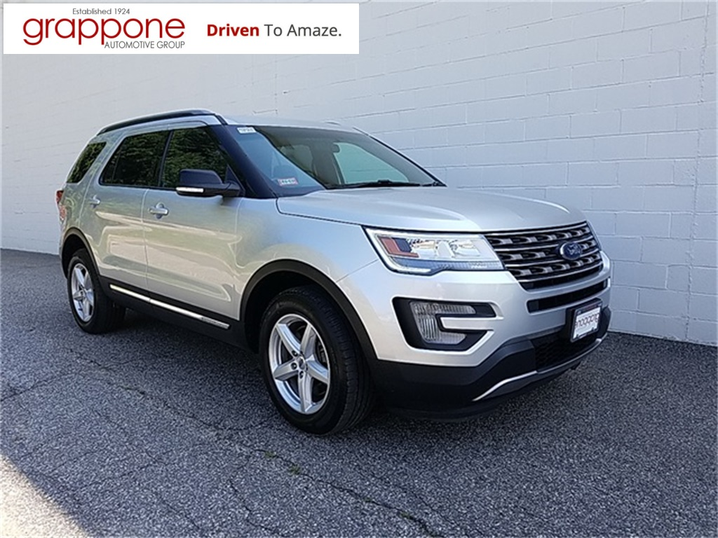 Certified Pre Owned  Ford Explorer Xlt
